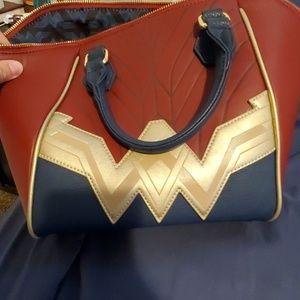 Wonder woman purse excellent condition